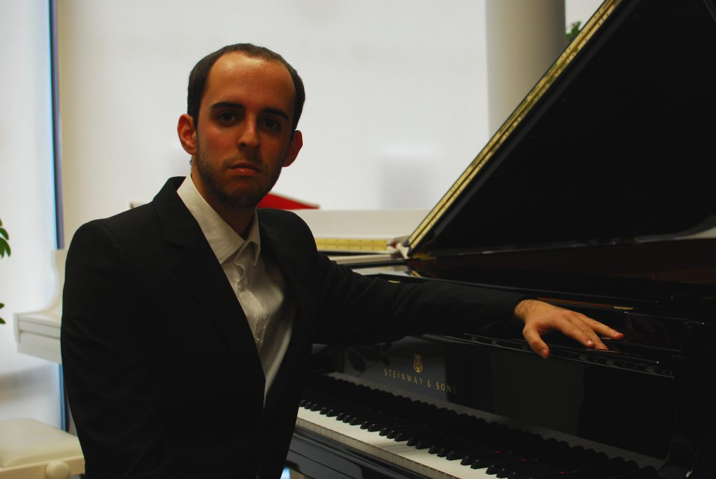 [cml_media_alt id='1975']Pianistas Vincenzo De Martino (Italija)[/cml_media_alt]